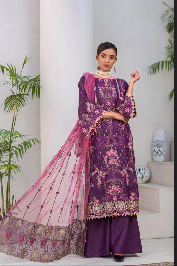 Raphen – Embroidered Lawn Karandi