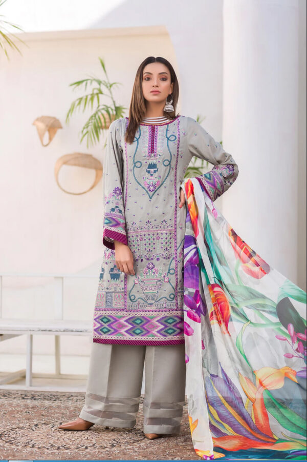 Dioica – Embroidered Lawn Karandi